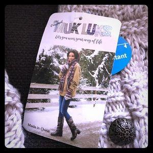 Muk Luks tan knit boots size 7, brand new.